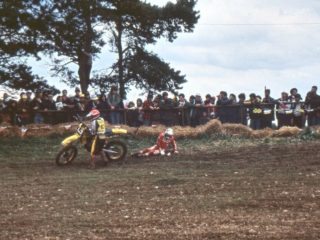 43  Philippe Gasselin and a fallen Gaston Rahier