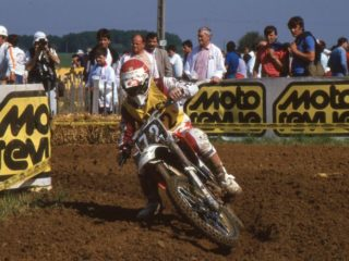 In contrast to his rival Strijbos, vd Berk had a very aggressive riding style